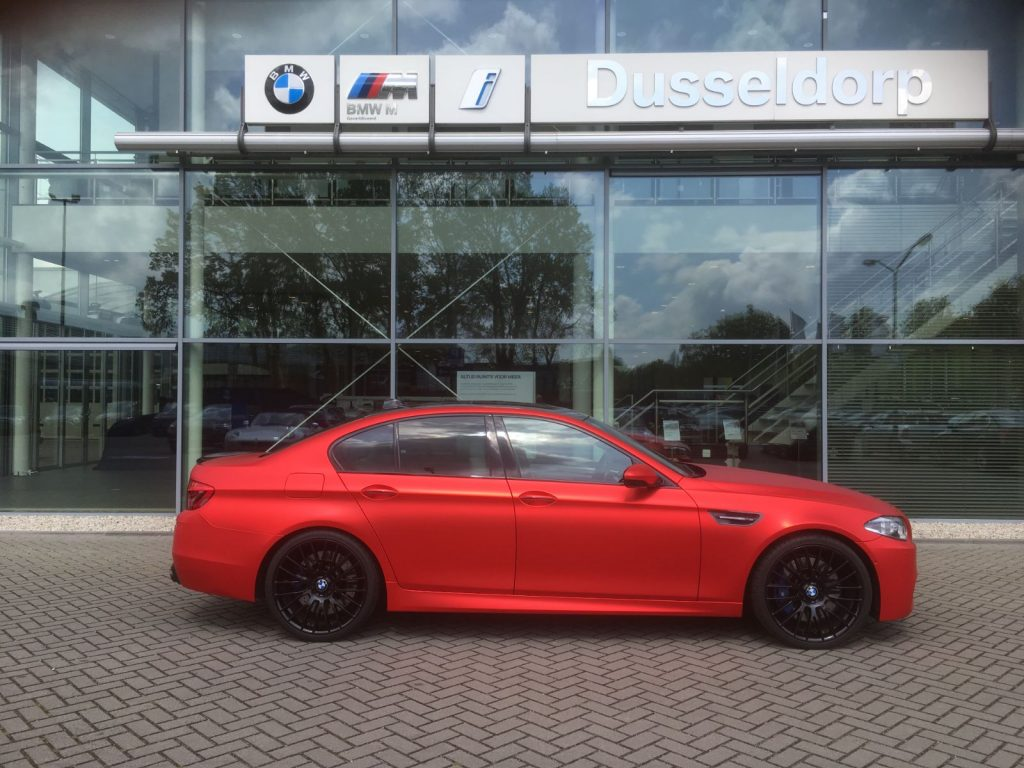 BMW M5 Inferno Red mat chrome