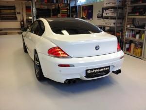 BMW M6 autowrappen van zilver naar diamant 1