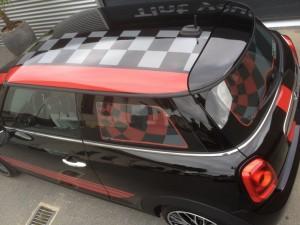 autowrappen Mini dak zwart grijs rood